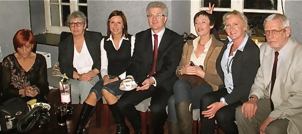Aram w towarzystwie swojego sztabu wyborczego 2007