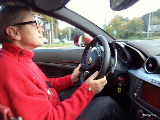 za kierownicą Ferrari ff