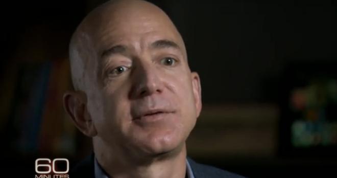Bezos robi Bransona 2013